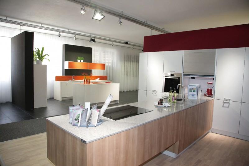 Jisheng High Gloss Laminate Kitchen Cabinets Place In Big