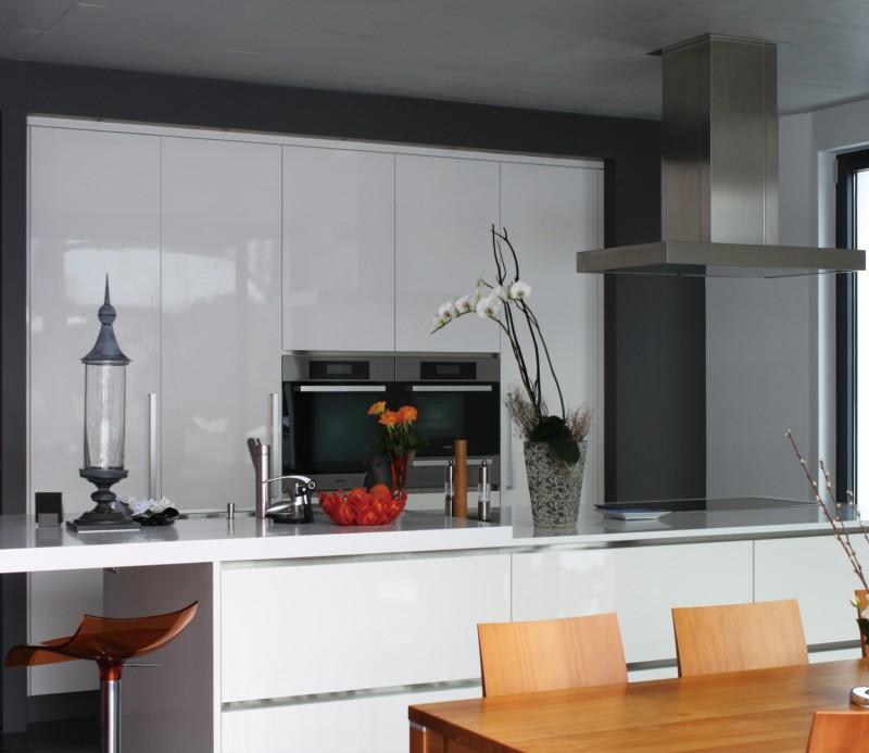Modern design gloss white prefab kitchen cabient for European style modern high gloss kitchen cabinets