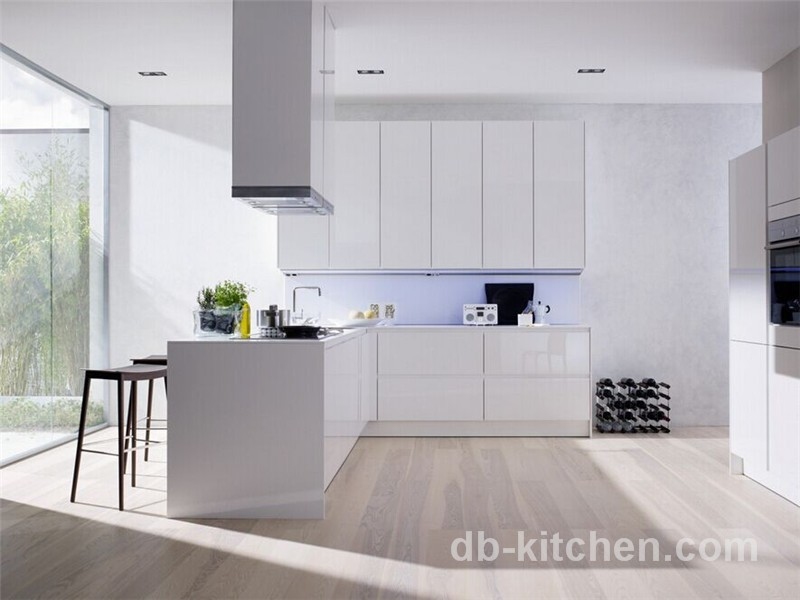 Practical high gloss plywood uv board white modern kitchen for Modern gloss kitchen cabinets