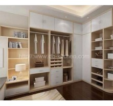 High Quality Wooden Walk-in Closet Design