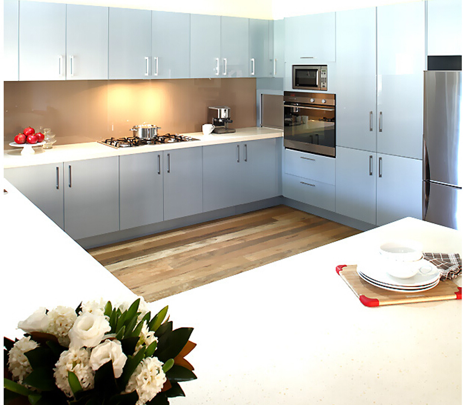 Glossy lacquer kitchen cabinet Australian style
