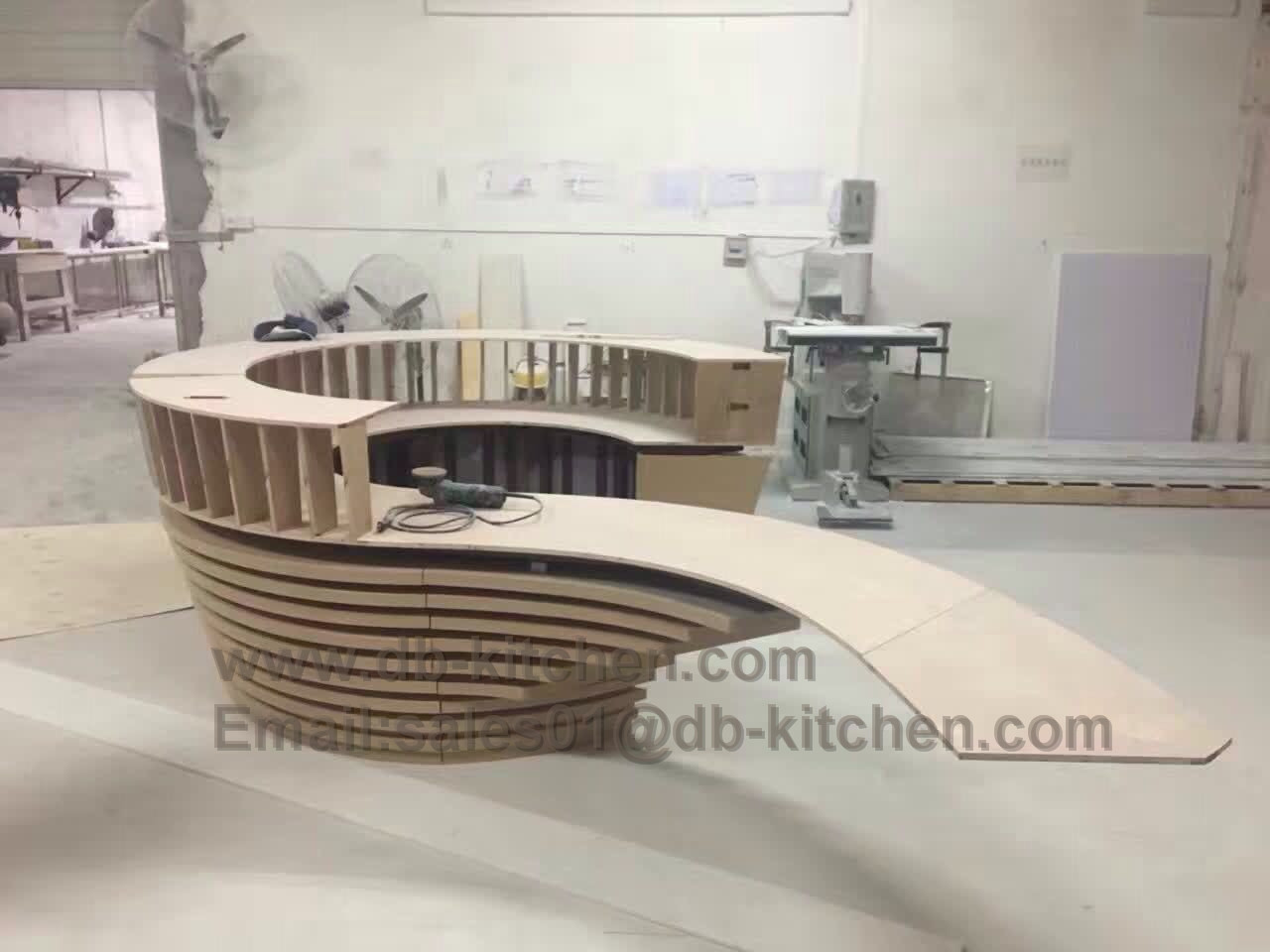 reception tabloe with Engineering super long beech faced plywood